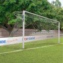 Sport-Thieme But en aluminium, 7,32x2,44 m, coins soudés, avec fixation par fourreaux Crochets de fixation